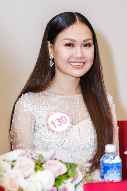 Ngắm top 30 Hoa hậu VN trong lần đầu ra mắt báo chí - 24