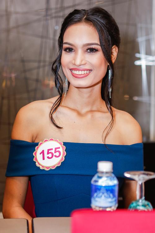 Ngắm top 30 Hoa hậu VN trong lần đầu ra mắt báo chí - 23