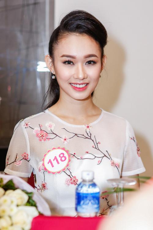 Ngắm top 30 Hoa hậu VN trong lần đầu ra mắt báo chí - 25