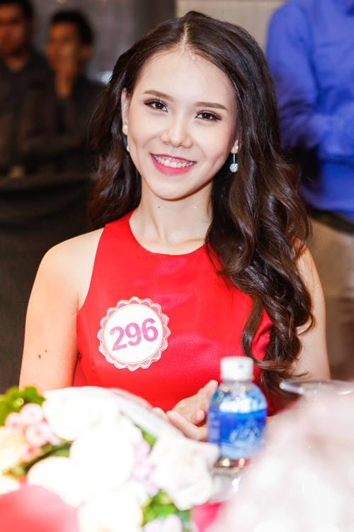Ngắm top 30 Hoa hậu VN trong lần đầu ra mắt báo chí - 26