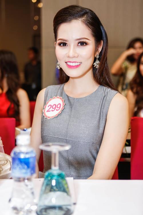 Ngắm top 30 Hoa hậu VN trong lần đầu ra mắt báo chí - 29