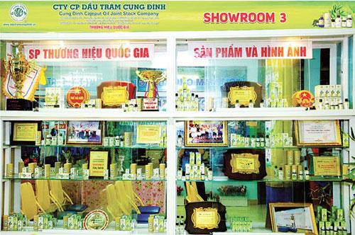 """Người tiêu dùng đã """"ưa"""" dầu tràm Cung Đình thương hiệu Việt - 2"""