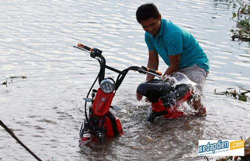 Độc đáo xe đạp, xe máy điện chống nước giá rẻ tại Hà Nội - 3