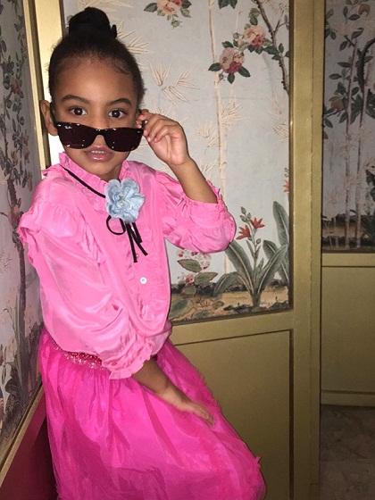 Fashionista thế giới ngả mũ trước nhóc tì 4 tuổi nhà Beyoncé - 3