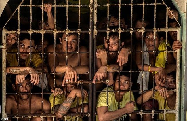 Chuyện nhà tù nhồi nhét khủng khiếp nhất Philippines - 6