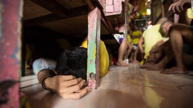 Chuyện nhà tù nhồi nhét khủng khiếp nhất Philippines - 3