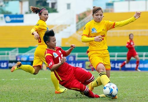 Hơn chục khán giả xem trận cầu đinh bóng đá nữ Việt Nam - 4