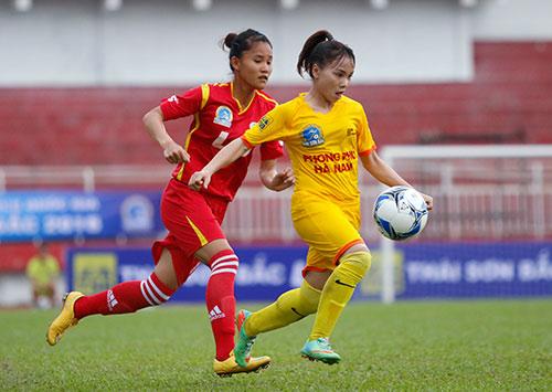 Hơn chục khán giả xem trận cầu đinh bóng đá nữ Việt Nam - 7