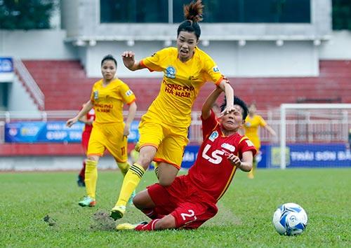 Hơn chục khán giả xem trận cầu đinh bóng đá nữ Việt Nam - 9