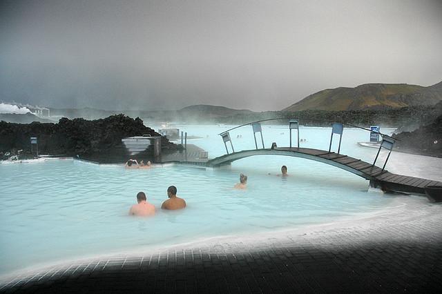 Tắm tiên ở suối nước nóng độc nhất vô nhị trên thế giới - 7
