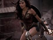 """Video: Cảnh chiến đấu """"gợi cảm"""" của Wonder Woman"""