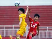 Hơn chục khán giả xem trận cầu đinh bóng đá nữ Việt Nam
