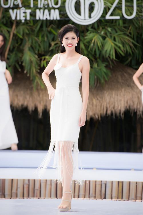 """9 người đẹp nói tiếng Anh cực """"đỉnh"""" của Hoa hậu VN - 1"""