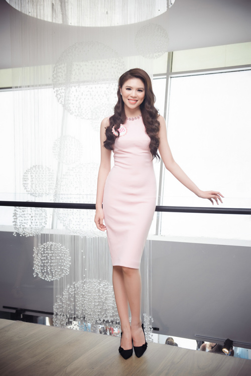 """9 người đẹp nói tiếng Anh cực """"đỉnh"""" của Hoa hậu VN - 5"""