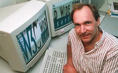 23/8: Kỷ niệm 25 năm con người kết nối với trang web đầu tiên - 2