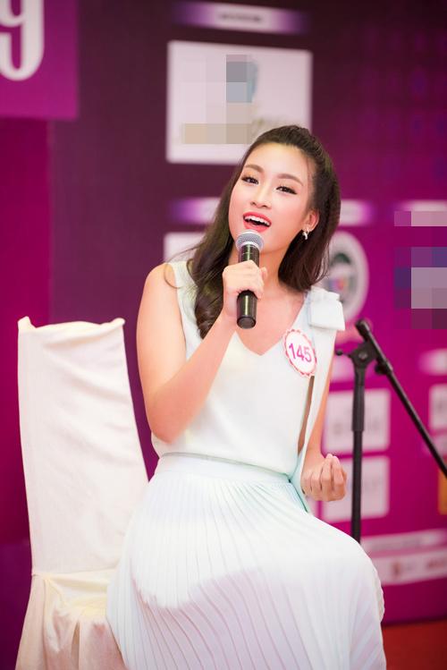 Thí sinh Hoa hậu VN vừa xinh vừa biết làm ảo thuật! - 3