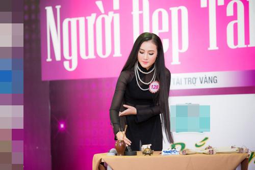Thí sinh Hoa hậu VN vừa xinh vừa biết làm ảo thuật! - 10