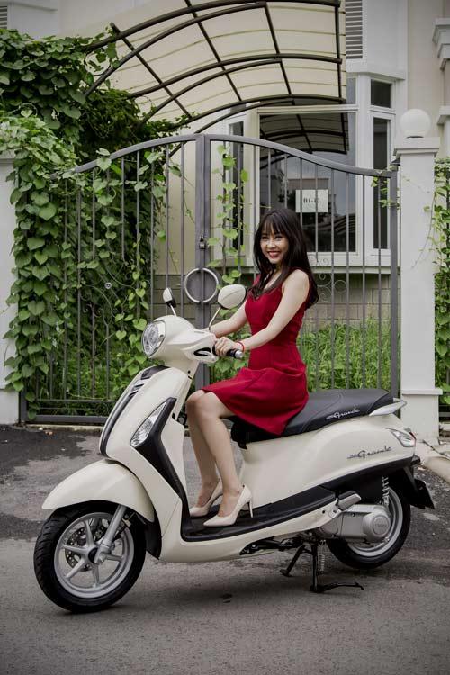 Yamaha Grande mới đẹp rạng ngời bên quý cô thanh lịch - 3