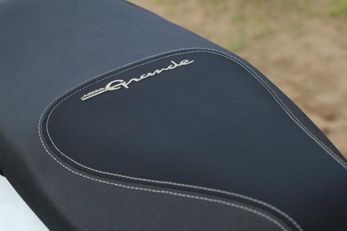 Yamaha Grande mới đẹp rạng ngời bên quý cô thanh lịch - 7