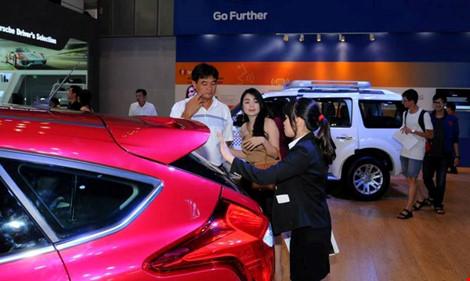 Thuế tăng khiến người Việt giảm mua ô tô nhập khẩu - 1
