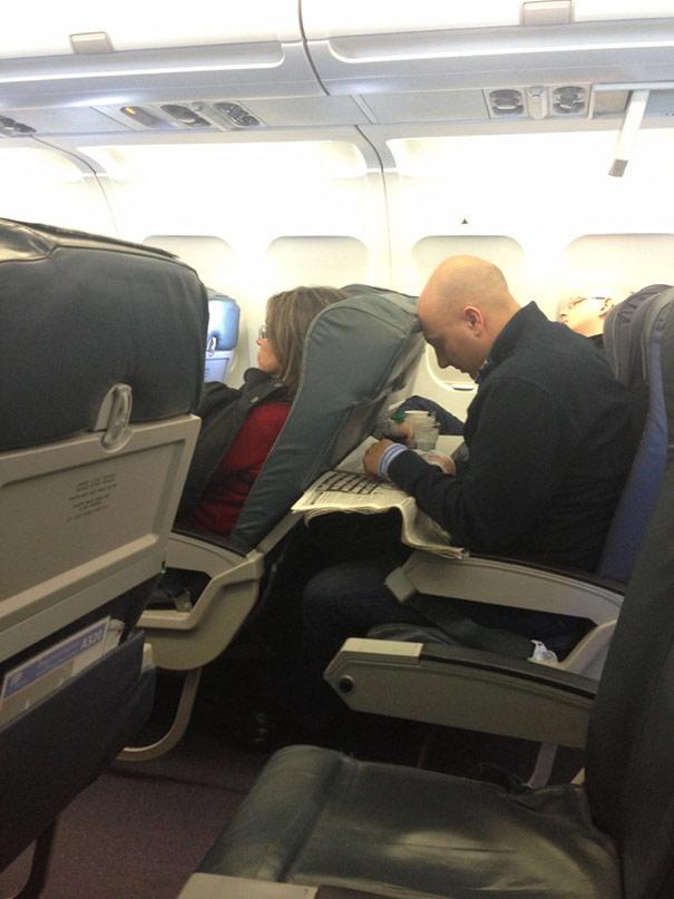 """""""Chạy mất dép"""" khi gặp những vị khách này trên máy bay - 7"""
