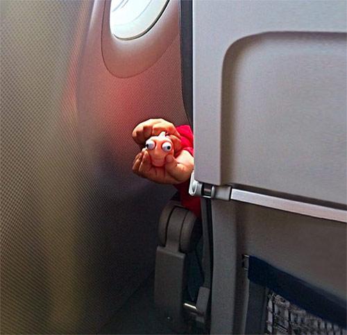 """""""Chạy mất dép"""" khi gặp những vị khách này trên máy bay - 9"""