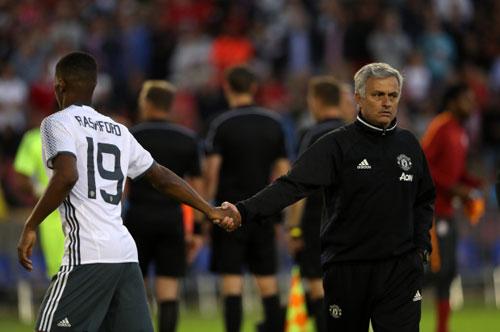 Rashford bị loại khỏi ĐT Anh: Tại Mourinho hay Ibra? - 1
