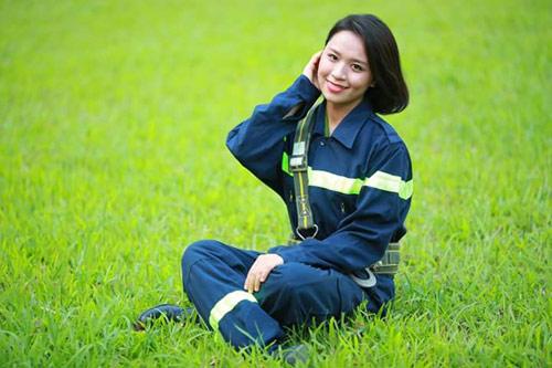 Nữ thủ khoa mê bắn súng, mơ nối nghiệp Hoàng Xuân Vinh - 2