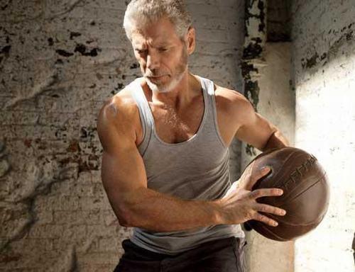 "Sao ""Avatar"" gây sốt khi khoe cơ bắp ở tuổi 64 - 5"