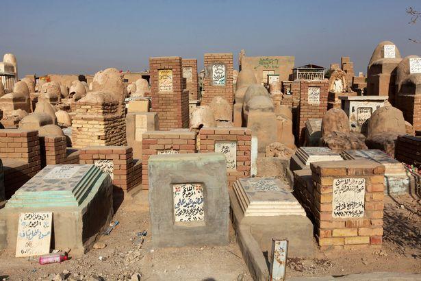 Nghĩa trang lớn nhất thế giới sắp hết chỗ vì IS - 2
