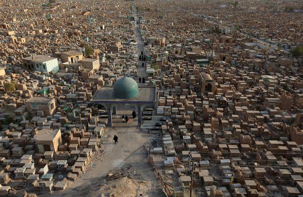 Nghĩa trang lớn nhất thế giới sắp hết chỗ vì IS - 1