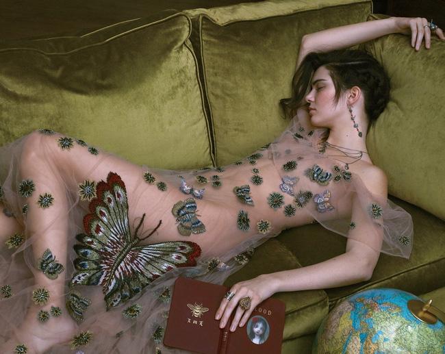 """Lộ ảnh quá """"nóng"""" của Kendall Jenner bị cắt khỏi Vogue - 3"""