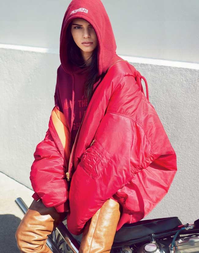 """Lộ ảnh quá """"nóng"""" của Kendall Jenner bị cắt khỏi Vogue - 12"""