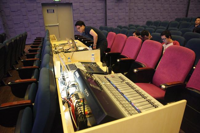 """Ghé phòng âm nhạc của sinh viên """"khủng"""" nhất Việt Nam - 19"""