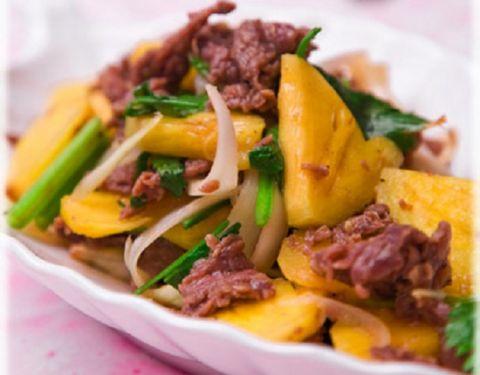 Chế biến thịt bò xào dứa với 3 bước đơn giản - 3