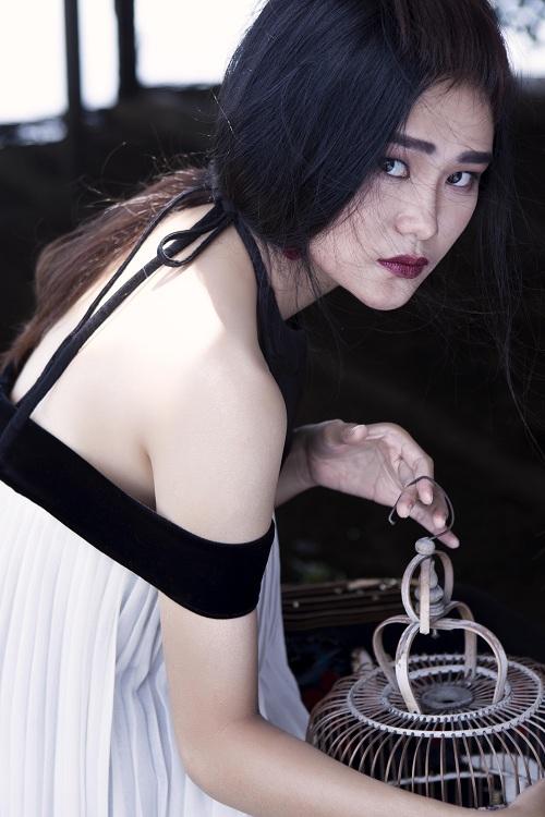 Thiếu nữ Việt e ấp trong tà áo dài cách tân - 8