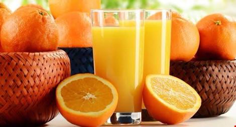 5 loại nước ép trái cây không nên uống khi dùng thuốc - 2