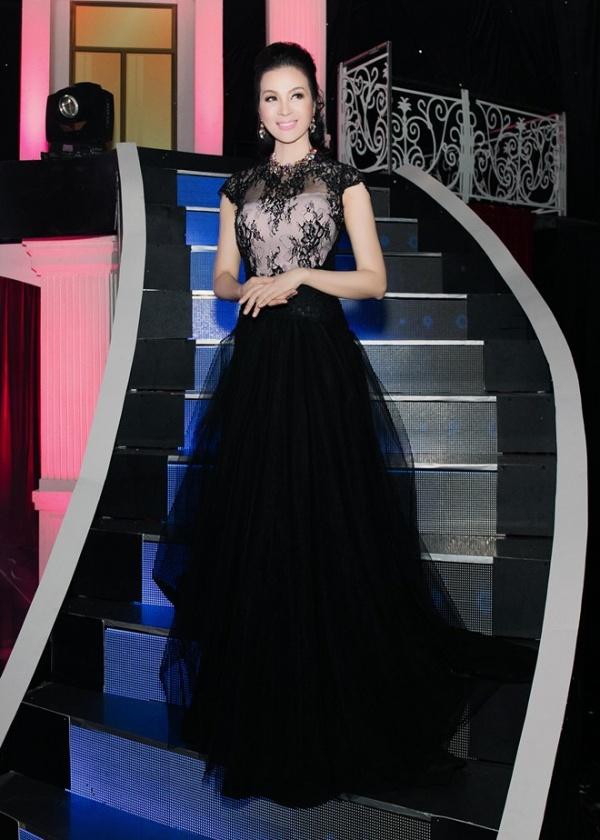 """""""Tấm Cám"""" Hạ Vi - Lan Ngọc ganh đua mặc đẹp nhất tuần - 7"""