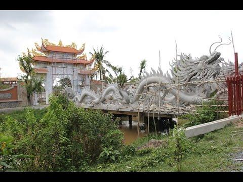 Khác biệt giữa nhà riêng và nhà thờ Tổ của Hoài Linh - 2