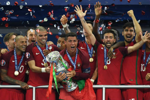 2016: Mùa hè lịch sử của Leicester, Ronaldo và Neymar - 2