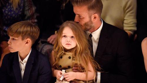Cuộc sống trái ngược của con gái Beckham và Tom Cruise - 6
