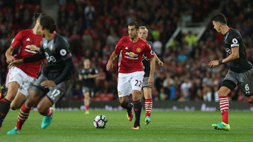 MU: Martial sa sút và viễn cảnh bị Mourinho bỏ rơi - 2