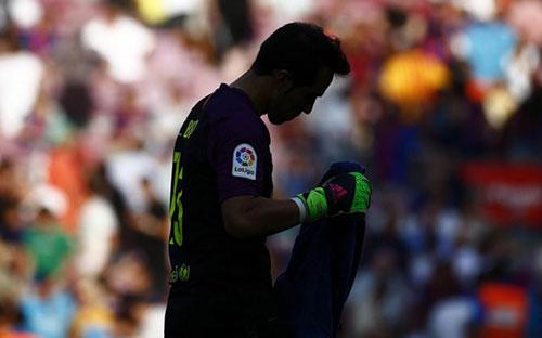 Lý do thực sự khiến người hùng Bravo rời Barca - 1