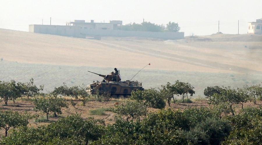 Xe tăng Thổ Nhĩ Kỳ vượt biên giới Syria bắn phá - 2