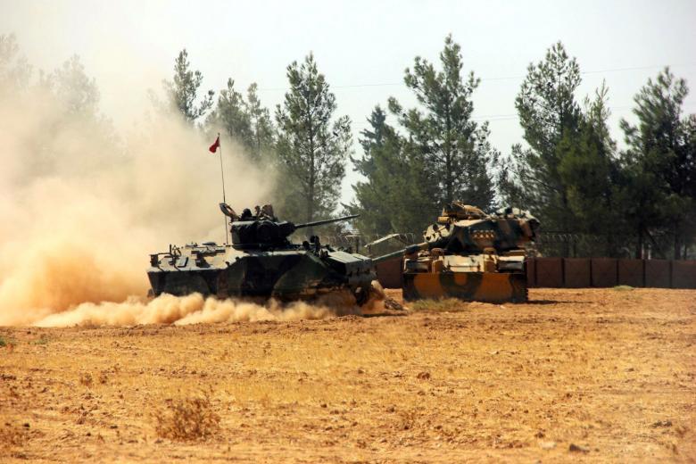 Xe tăng Thổ Nhĩ Kỳ vượt biên giới Syria bắn phá - 1