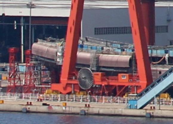 Trung Quốc sắp hạ thủy tàu sân bay nội địa đầu tiên - 1