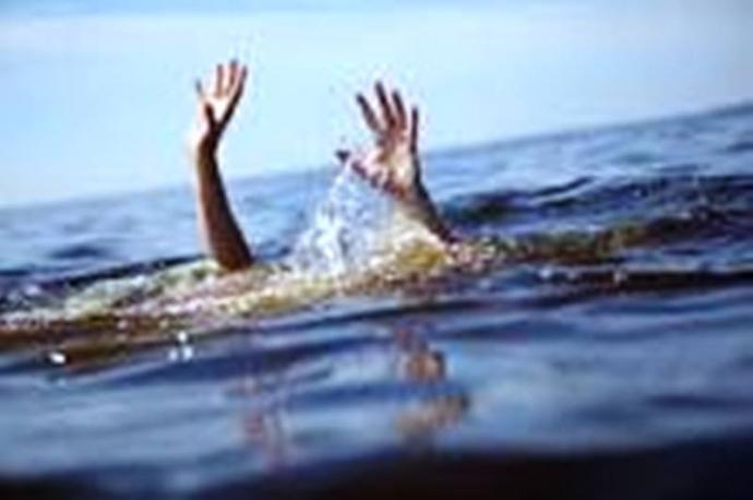 Cứu được hai trẻ đuối nước, nữ sinh 15 tuổi tử vong - 1