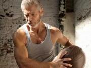 "Sao ""Avatar"" gây sốt khi khoe cơ bắp ở tuổi 64"