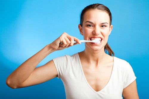 Nguy cơ đột quỵ tăng cao nếu bạn lười vệ sinh răng miệng - 2