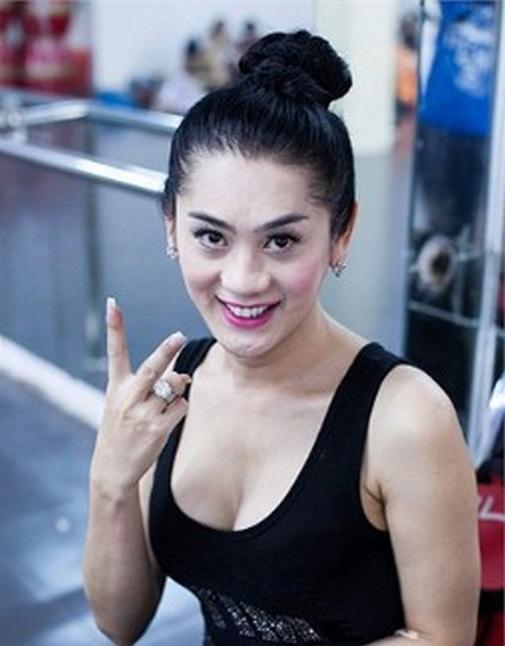 Bỏng mắt ngắm Hương Giang, Lâm Chi Khanh tập gym - 7